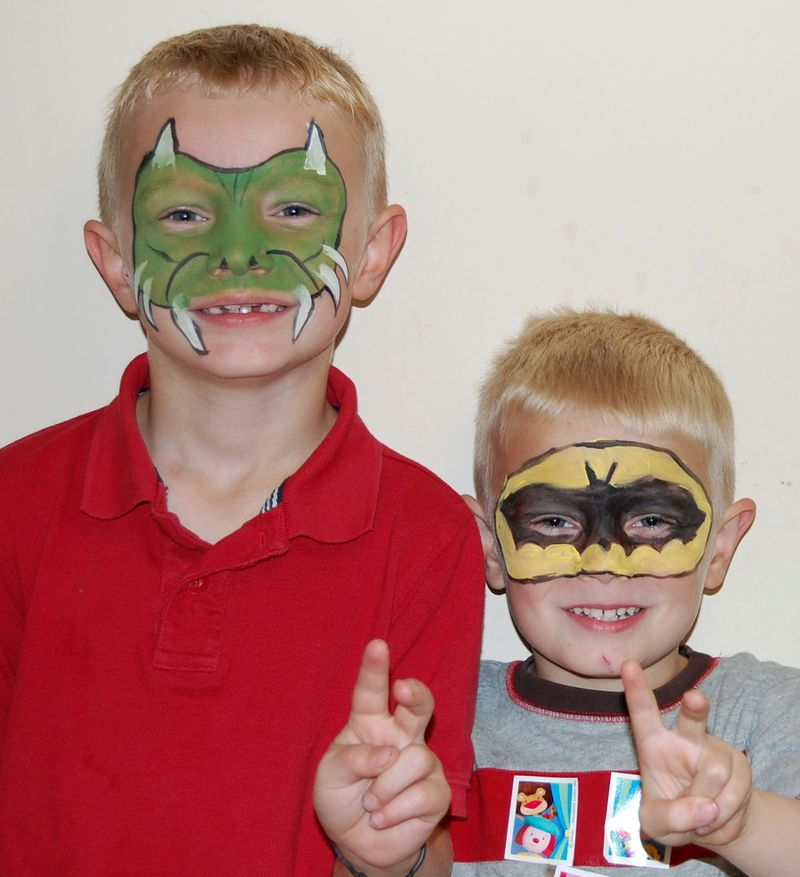 Circus and face paint 012
